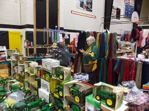 2014 toy show 263